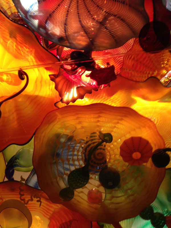 a look back, 2015 dale chihuly glass sculpture